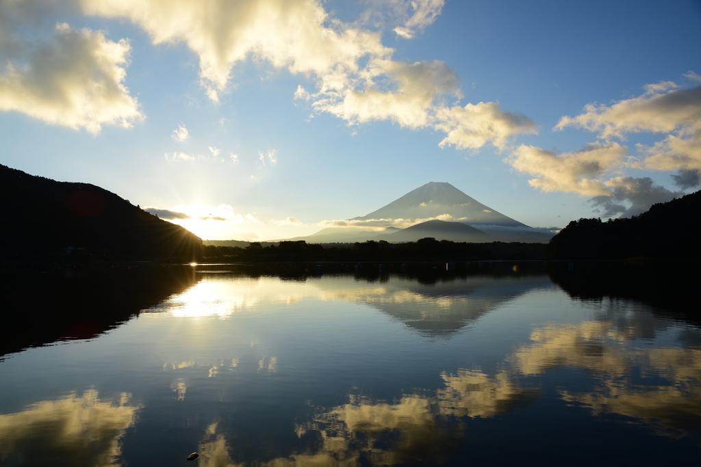 【精進湖】2016年11月05日 06:38撮影