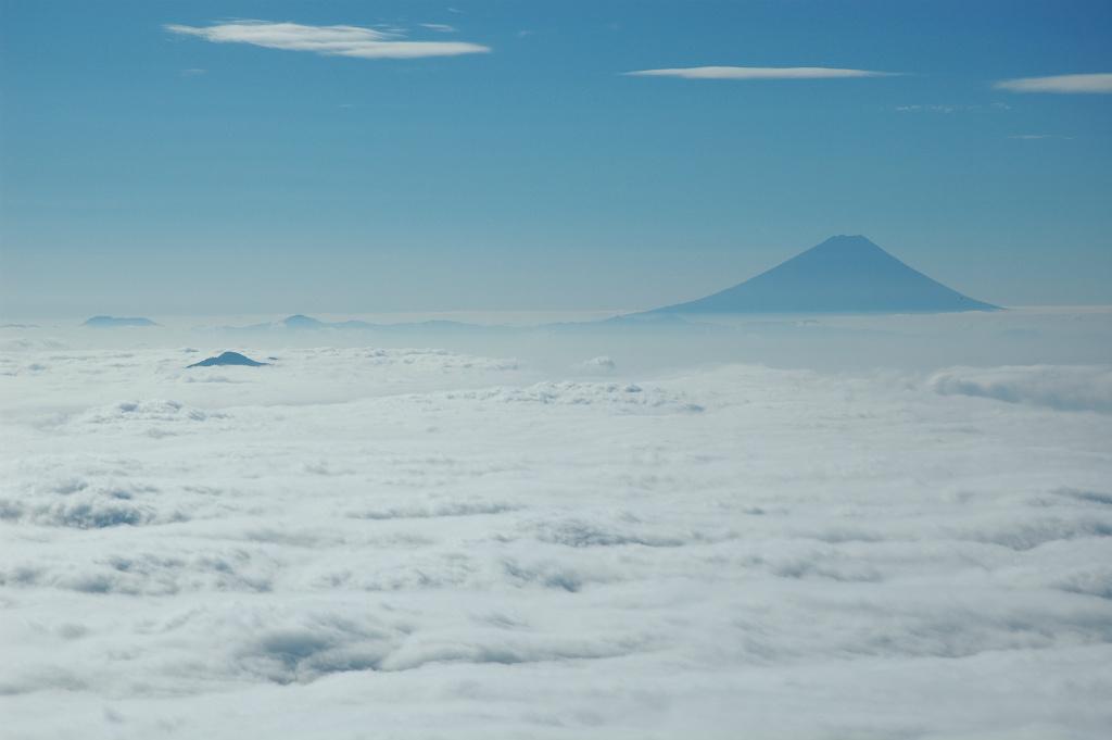 【権現岳】2005年10月01日 07:51撮影
