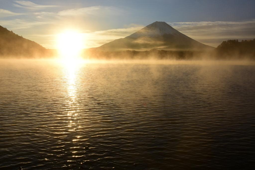 【精進湖】2015年11月29日 06:58撮影